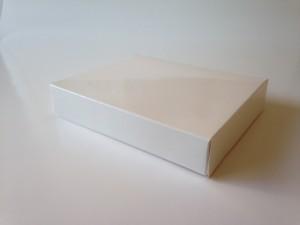 折り畳みワンピース箱3