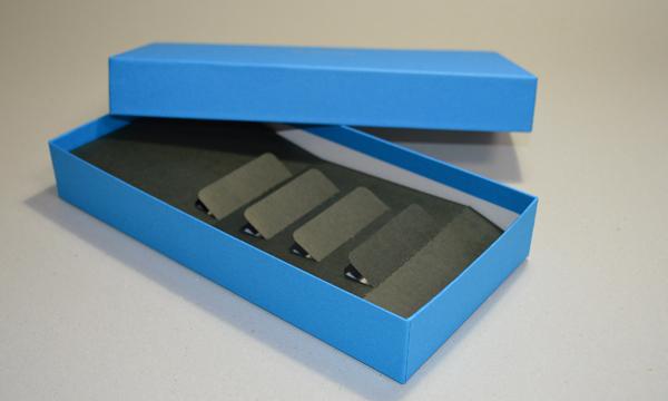 【製作事例】中台紙付きのかぶせ貼箱
