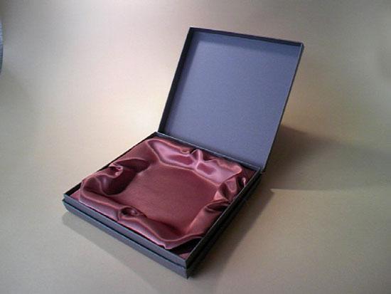 products6 インローサテン貼箱