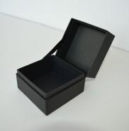 【製作事例】リボン付きヒンジ箱(蝶番貼箱)