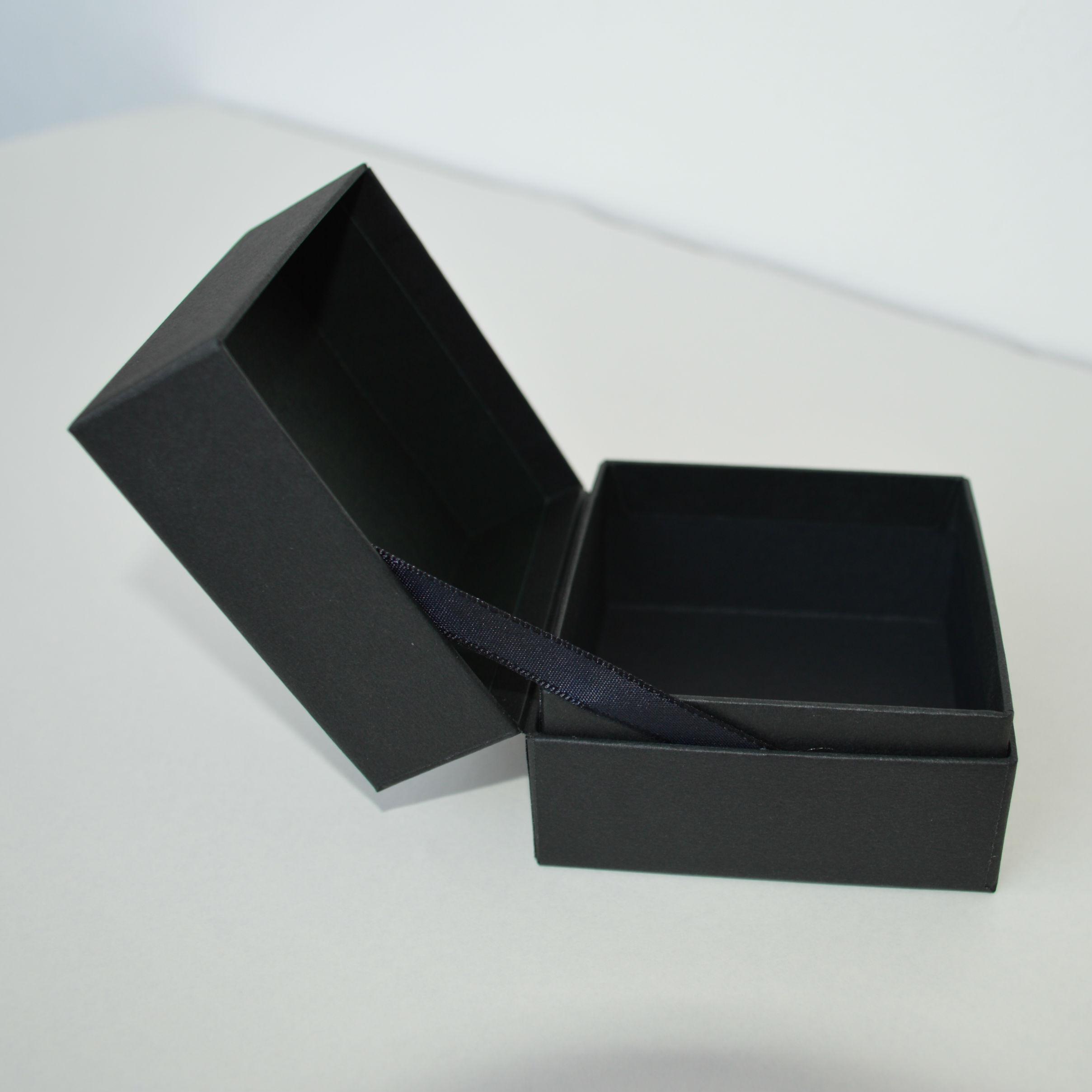 蝶番貼箱2
