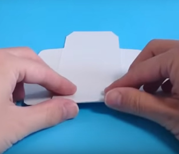 紙箱の組立や商品セット作業
