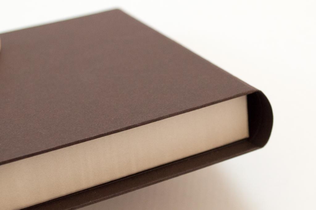 背丸のブック型貼箱5