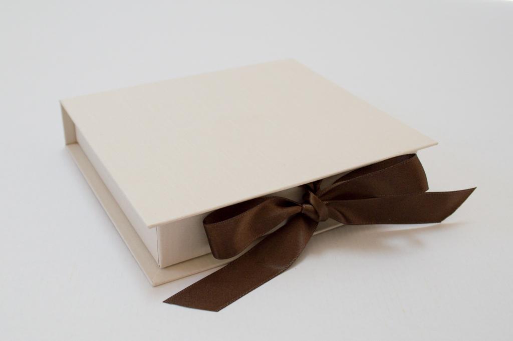 背丸のブック型貼箱6